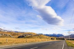 Camino de Nueva Zelanda en la colina Cantorbery del castillo Imagen de archivo libre de regalías