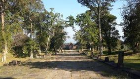 Camino de paso al templo vinear del preah fotografía de archivo libre de regalías