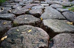 Camino de piedra del adoquín del granito Imagen de archivo libre de regalías