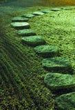 Camino de piedra del zen Imágenes de archivo libres de regalías