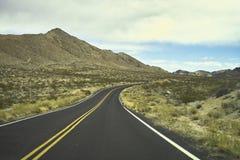 Camino del desierto foto de archivo libre de regalías