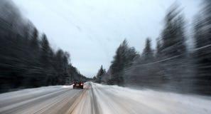 Camino del invierno en Siberia Fotos de archivo libres de regalías