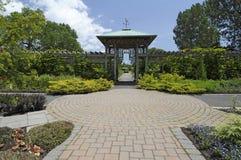 Camino del jardín formal fotos de archivo libres de regalías