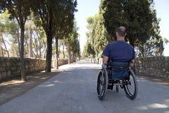 Camino del sillón de ruedas Fotos de archivo