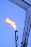 Camino delle fiaccole di combustione con il tubo Immagine Stock