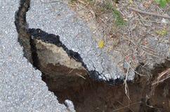 Camino destruido por el terremoto Fotos de archivo