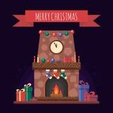 Camino di Natale con i regali, l'orologio e la candela Interno festivo variopinto per la cartolina d'auguri nello stile piano Cas Immagine Stock