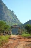 Camino en campo en Tai Ta Ya Monastery Imagen de archivo libre de regalías