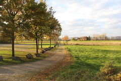 Camino en campos, Mondorf, Alemania fotos de archivo libres de regalías