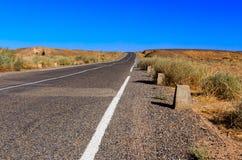 Camino en el desierto Imagenes de archivo