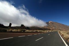Camino en el parque de Tenerife Teide Fotos de archivo libres de regalías