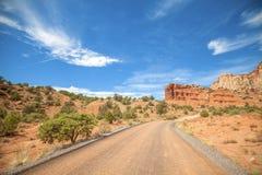 Camino en el parque nacional del filón del capitolio, Utah Foto de archivo