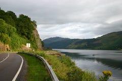 Camino en Escocia imagenes de archivo