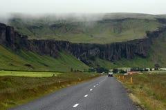 Camino en Islandia Fotos de archivo libres de regalías