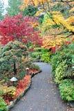Camino en jardín Foto de archivo