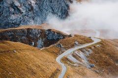 Camino en las montañas de Mangart Fotos de archivo