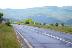 Camino en Macedonia Foto de archivo libre de regalías