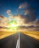 Camino en puesta del sol libre illustration