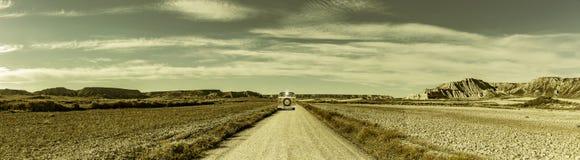 Camino en un paisaje del desierto fotos de archivo libres de regalías
