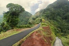 Camino escénico en Dominica, islas caribeñas Fotografía de archivo