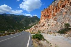 Camino escénico en las montañas peloponnese fotografía de archivo libre de regalías