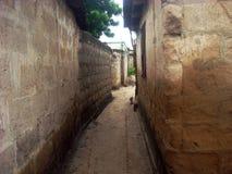 Camino estrecho de la calle Fotos de archivo