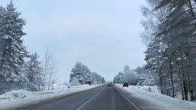 Camino hermoso, nevoso Turismo Vladimir Region, Rusia, febrero de 2019 almacen de metraje de vídeo