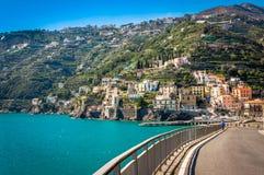 Camino impresionante en la costa espléndida de Amalfi Imágenes de archivo libres de regalías