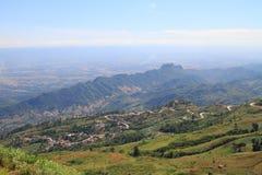 Camino a la colina Fotos de archivo libres de regalías
