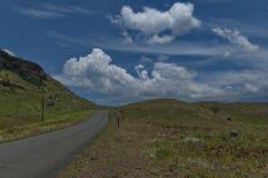 Camino a la reserva de naturaleza de Kwazulu Natal del castillo de Giants Fotografía de archivo libre de regalías