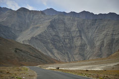 Camino a Lamayuru imagen de archivo