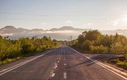 Camino a las montañas Fotos de archivo