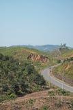 Camino a lo largo de la colina/del moutain en Bao Loc, Vietnam Imagen de archivo libre de regalías