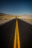 Camino negro para ennegrecer la roca Fotografía de archivo libre de regalías