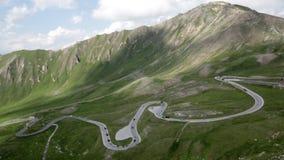 Camino peligroso de la montaña de Grossglockner en Austria almacen de video