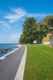 Camino por el mar en Visby, Suecia Foto de archivo libre de regalías