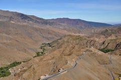 Camino rizado en el alto atlas Imagen de archivo