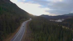 Camino rural de la montaña metrajes