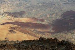 Camino serpentino en el cráter de la erupción Fotografía de archivo libre de regalías