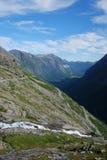 Camino serpentino en la montaña. Trollstigen. Fotografía de archivo libre de regalías
