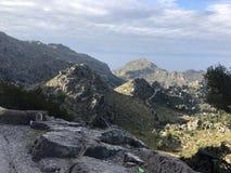 Camino serpentino famoso Sa Calobra, Mallorca fotografía de archivo libre de regalías