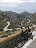 Camino serpentino famoso Sa Calobra, Mallorca imagen de archivo libre de regalías