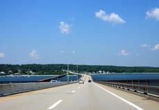 Camino sobre un puente Imagen de archivo