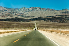Camino solo del desierto Fotos de archivo
