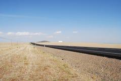 Camino solo en Extremadura, España Imágenes de archivo libres de regalías