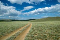 Camino a través de la estepa cerca del lago Baikal Imagen de archivo