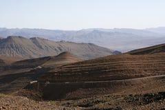 Camino a través de las montañas Fotografía de archivo libre de regalías