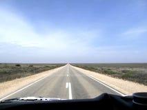 Camino a través del desierto de Nullarbor Imagenes de archivo