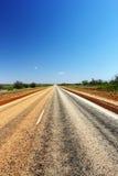 Camino a través del australiano interior Fotos de archivo libres de regalías