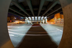 Camino urbano de la noche de la ciudad Foto de archivo